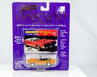 Johnny Lightning Classic Gold Collection 1970 Cougar XR-7 1/64 Diecast Car