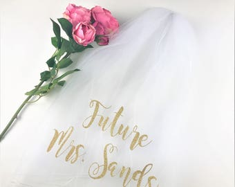 Personalized Veil, Bachelorette Veil, Bride to Be Veil,  Future Mrs Veil, Bachelorette Party Veil, Bachelorette Veil, Style M