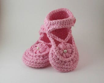 Pink Mary Jane baby shoes, pink baby shoes, girls crochet shoes, crochet baby shoes, pram shoes, soft baby shoes, baby slippers, Mary Janes