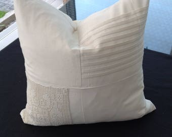 Cushion cover with crochet articles - square