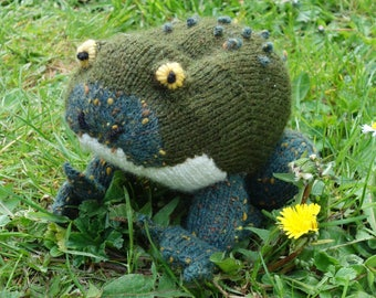 """""""Mr. Toad"""" speckled green wool hand knit"""