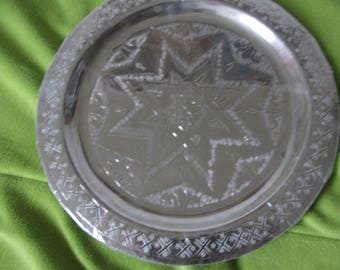 Round silver patterned ethnic tea tray geometric design 25cms Moroccan tray