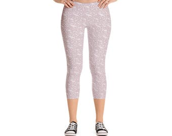 Endangered Species Solid Pattern Capri Leggings