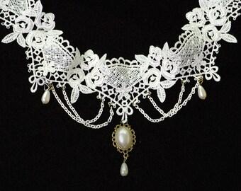 White Victorian Chocker Necklace