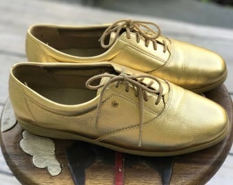 90's Vibe Easy Spirit Gold Tennis Shoes, Size 8 Womens