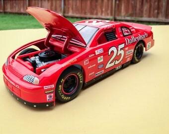 Wally Dallenbach #25 Hendrick Monte Carlo 1/24 NASCAR Diecast