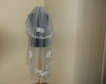 White 2 Tier Rhinestone/Lace Beaded Wedding Veil