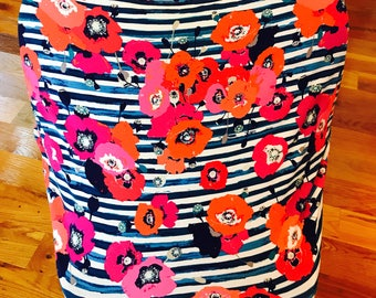 Multi-use cover: carseat cover, shopping cart cover, nursing cover up