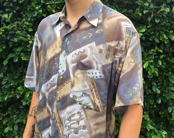 Rad lightweight vintage festival buttonup // size M // silky material