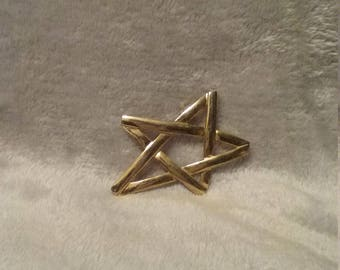 Vintage Large Gold Tone Star Pin Brooch