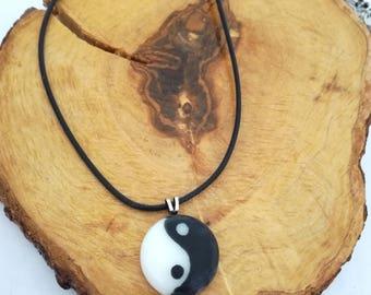 Yin yang, Fused glass pendant, Yin yang pendant, Yin yang necklace, Round pendant, Yin yang gift, Ying yang, Glass jewelry, Yin Yang jewelry