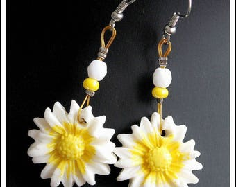 Yellow and white Daisy earrings