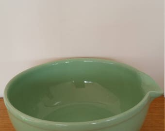 Vintage green Fowler Ware Australia mixing bowl with spout