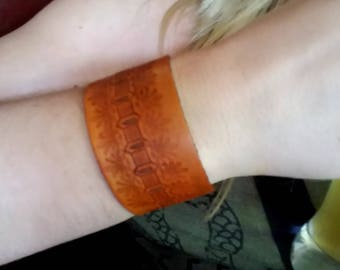 Hand Crafted - Trendy - Leather - Bracelet/Cuff