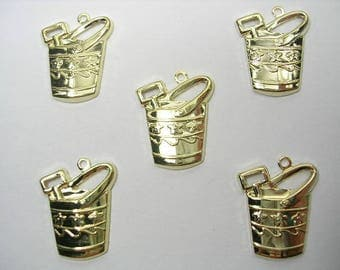 LOT 5 METALS CHARMS Gold: Beach bucket 20mm