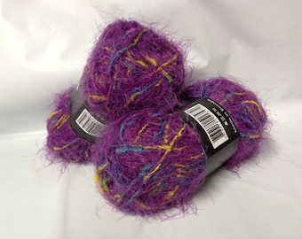Knitting / 10 wool fur balls / super soft / plum with colored thread