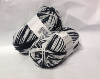 lot 10 skeins wool /Cheval white / black shade / made in FRANCE