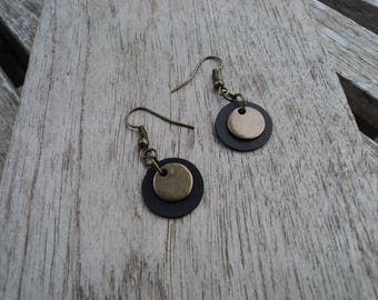Inner tube recycled with sequin and bronze finish round earrings