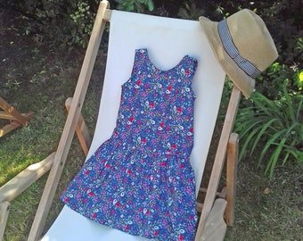 Girl's dress for summer, flowers, sleeveless, bow on the side, tied in the back