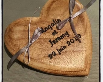 Wooden holder: the heart engraved in life!