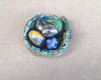 Easter nest with 5 eggs - raku pottery for decoration - standing or stick