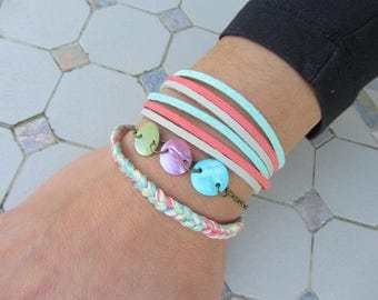 Bracelets trio pastel shades of blue, pink, green Suede, braided cotton thread, tinted and chain bronze
