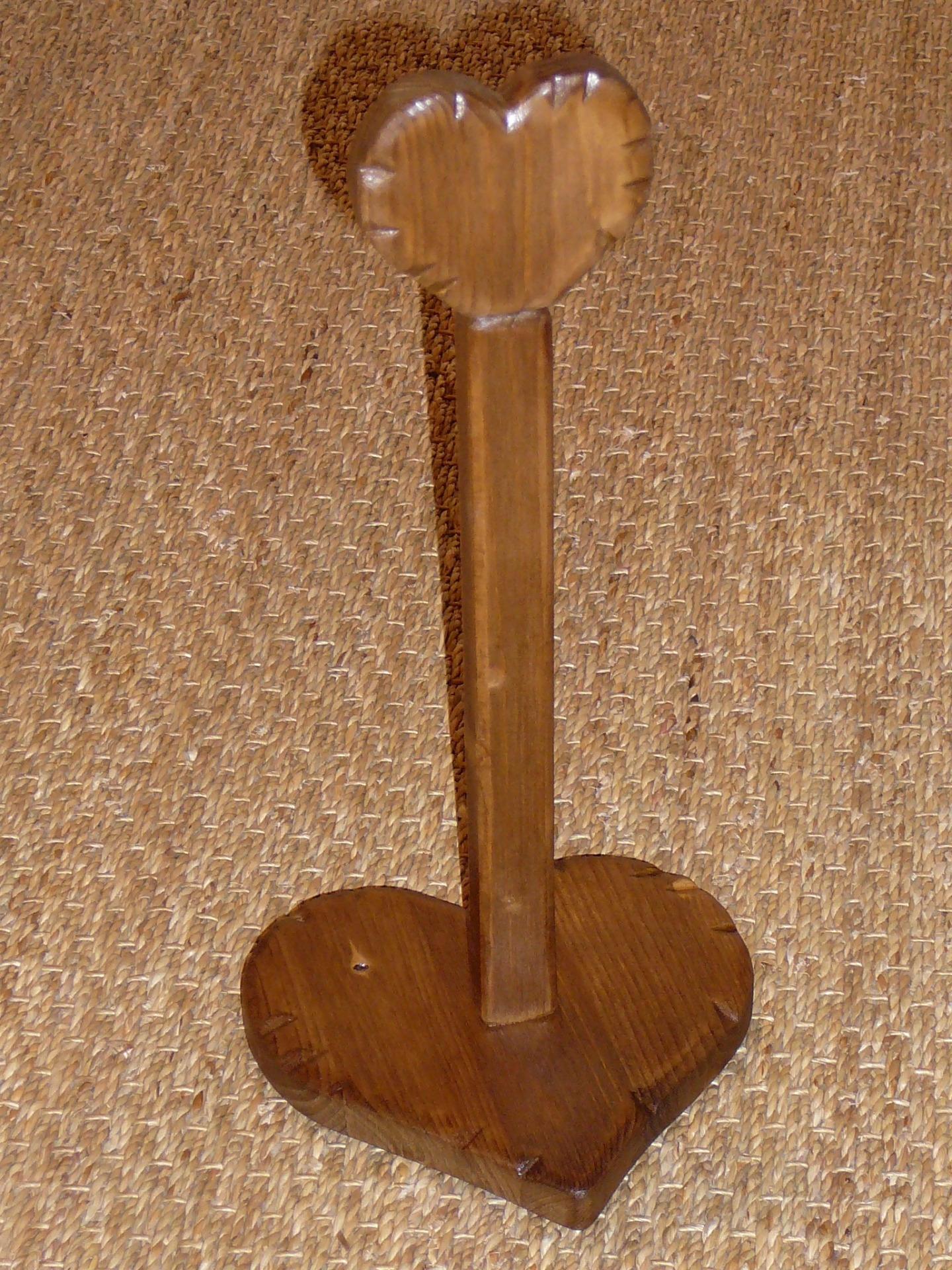 support essuie tout porte rouleau sopalin papier coeur bois. Black Bedroom Furniture Sets. Home Design Ideas