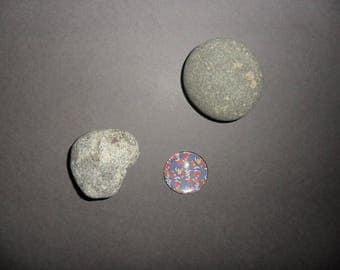 round glass cabochon purple with yellow flowers, oranges and reds, 20 mm