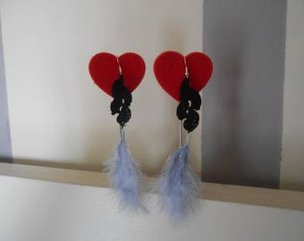 Black hook earring and feather gray