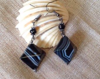 Striped black agate shape cherry earrings