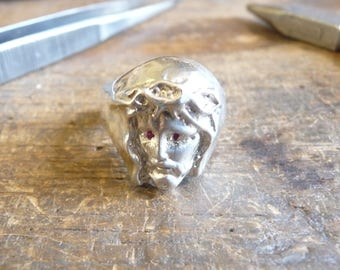 Ring head of Christ in sterling silver with Ruby eyes