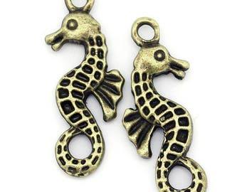 1 charm bronze hanging seahorse 24 x 10 mm