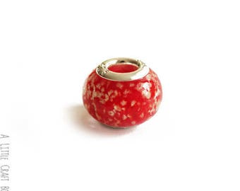 2 beads CHARMs mottled glass - red / white