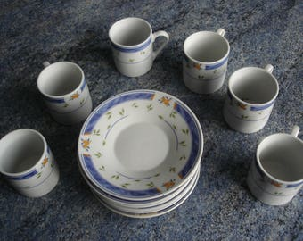 Service 6 coffee cups and saucers vintage very good condition