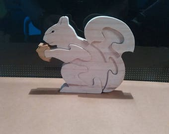 Puzzle: The squirrel (wood pine)