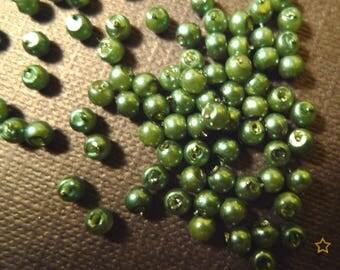500 beads synthetic green metallic