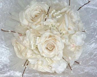 bridal bouquet made of ivory/white roses