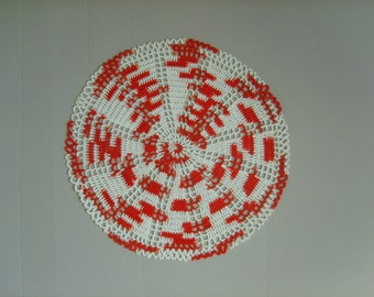 Doily crochet red and white 31cm