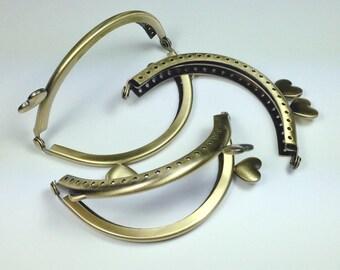 Lace effect and eccentric hearts clasp 8.5 cm, bronze color