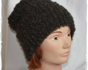 Mixed Brown knit hat.