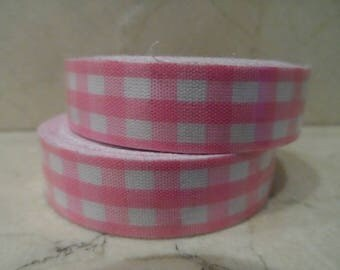 1 roll of adhesive fabric pink gingham (3) 5 meters