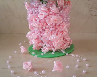 1 meter of lace, pearls and satin flowers