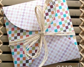 Greeting card and envelope - CA10, square, which opens as a gift, small diamonds and grid pattern