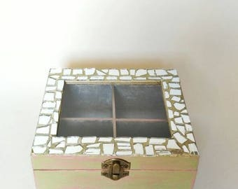 Wooden box with mirror and glass mosaic. Wooden box with mirror and glass moisac. Cutted and hand made. Silver/pink/green.