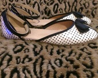 Joyfolie Designer Brand Nearly New Black & White Polka-dot Ballet Flats