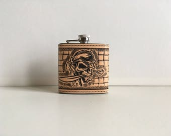 Tooled leather pattern 6oz flask: pirate head