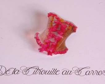 Brooch pink lace corset style Marie Antoinette