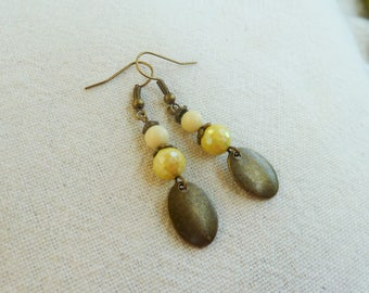 Earrings bronze sequins and yellow beads