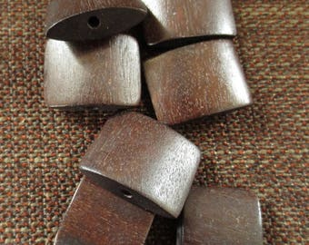 "Set of 7 Jolina ""pillow"" Brown wood beads"