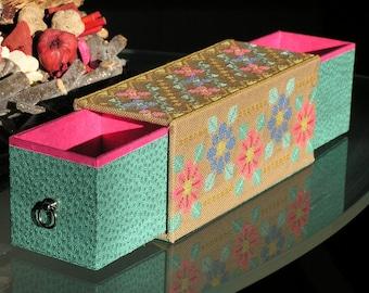 Cartonnage folk flowers